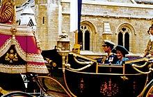 La principessa Diana insieme al marito Carlo durante il matrimonio del principe Andrea con Sarah Ferguson nel 1986