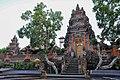 Pura Taman Saraswati (16872348599).jpg