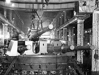 BL 14-inch Mk VII naval gun - A 14-inch gun being removed from a Mark III quadruple turret in the Elswick Works
