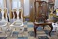 Queen Anne stiilis tool (paremal) ja selle miniatuursed koopiad lastemuuseum Miiamilla jaoks. 2012. aasta.jpg