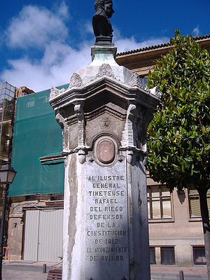 Rafael del Riego - Rafael del Riego, statue in Oviedo