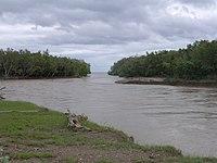 Raumoko River estuary in wet season flood, Daudere, Lautem, Timor-Leste (23 Apr 2006).jpg