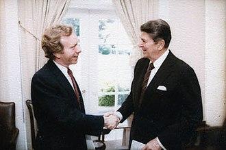 Joe Lieberman - Lieberman with President Ronald Reagan in 1984
