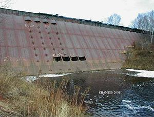 Steel dam - Redridge Steel Dam (upstream side) with a low water level