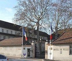 Rixheim, Entrée Hôtel de ville.jpg