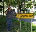 Road sign Babilon 1km.jpg