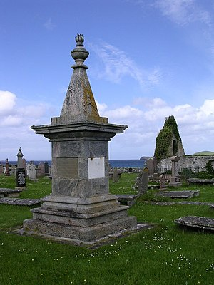 Rob Donn - Rob Donn Mackay monument, Balnakeil graveyard, with inscriptions in Gaelic, English, Greek and Latin. Erected 1827.