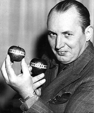 Robert Ripley - Ripley in 1940