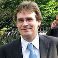 Photo recadrée de Robert Sean Leonard.