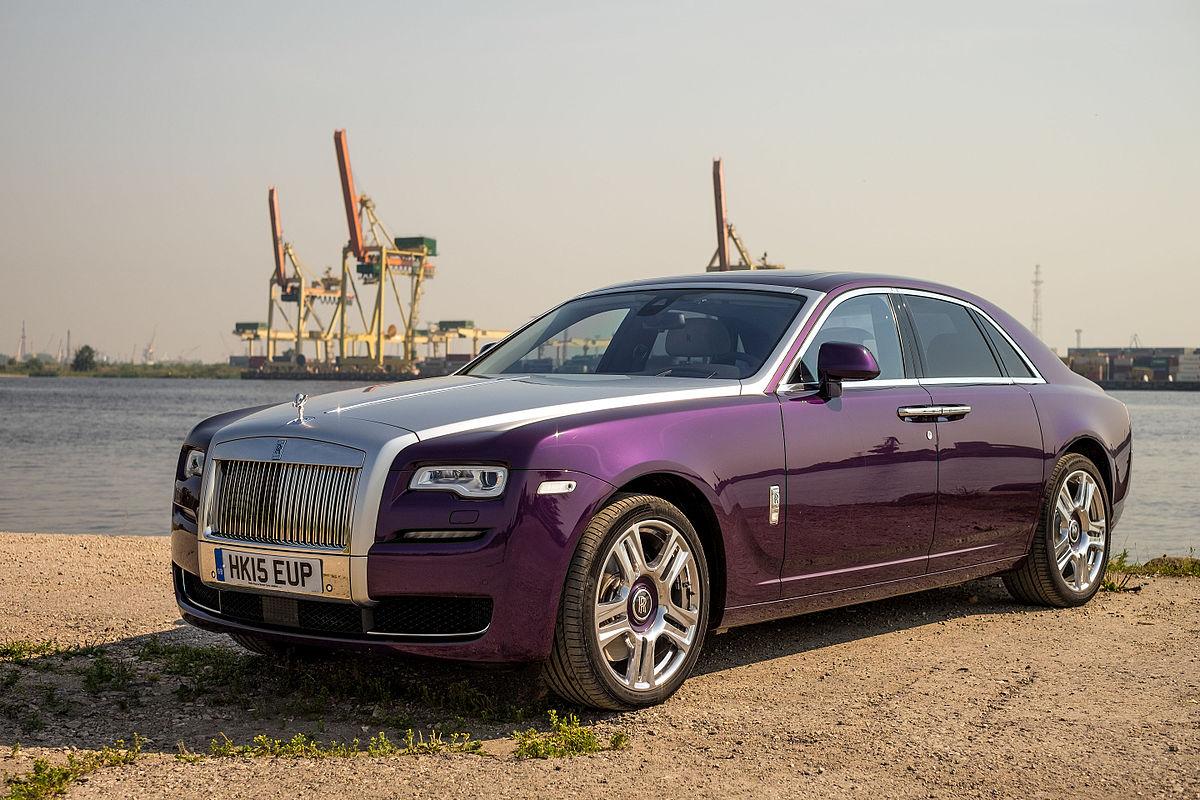 Rolls Royce Ghost 2015 (23124366942).jpg
