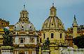 Rom, römische Kuppeln an der Piazza Venezia (12220440494).jpg