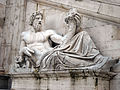 Roma, piazza del Campidoglio - Fontana della dea Roma - il Tevere.JPG