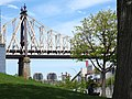 Roosevelt Island Scene - Manhattan - New York City - USA (42002770782).jpg