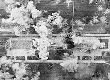 Fotografia aerea del bombardamento dell'aeroporto di Rieti da parte di aerei Baltimore e Curtiss Kittyhawk della Royal Air Force, durante la seconda guerra mondiale