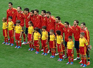 Jordi Alba - Alba (fourth to the right) lining up at Euro 2012.