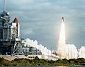STS-31 Discovery, OV-103, liftoff from KSC.jpg