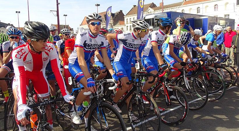 Saint-Amand-les-Eaux - Paris-Roubaix juniors, 12 avril 2015, départ (A85).JPG