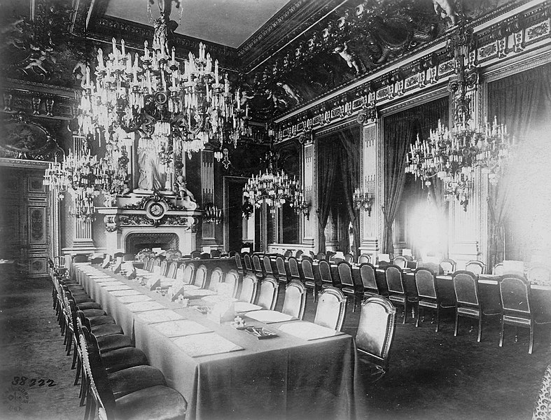 File:Salon de l'Horloge during the Paris Peace Conference.jpg