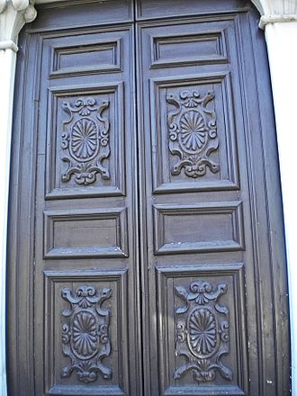 Bolection - Bolection around panels on a door