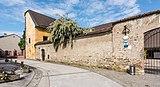 Sankt Veit an der Glan Burggasse 9 Herzogsburg Mauer Ost-Ansicht 18052018 3251.jpg