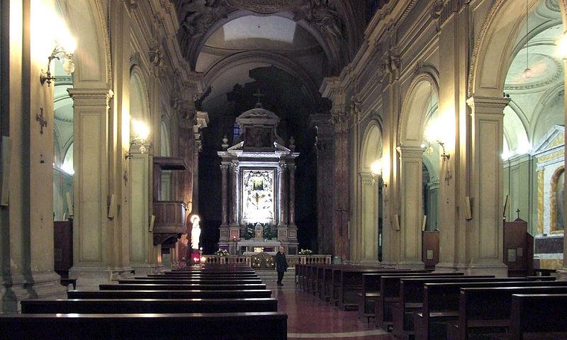 File:Sant'Eusebio interno 01 (Claudius Ziehr).jpg