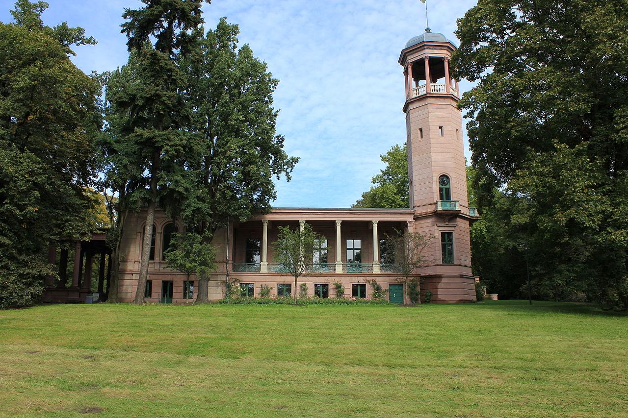 Schloss Biesdorf.jpg