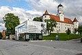 Schloss Höchstädt mit Informations- und Ausstellungsgebäude 001.jpg