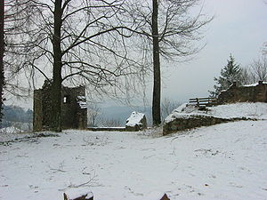 Schwarzenburg (Breisgau) - The ruins of the Schwarzenburg with view towards Waldkirch