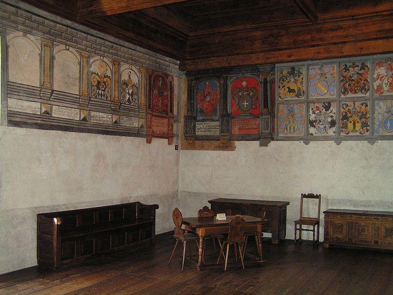 Fichier:Schweiz Schloss Chillon Innenansicht2.jpg