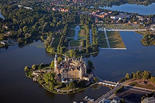 Schweriner Schloss Aerial View (7788102134)