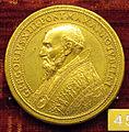 Scuola romana, medaglia di gregorio XIII, 1575, giubileo, bronzo dorato.JPG