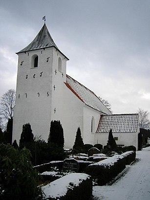 Sådan kommer du til Sønder Vissing Kirke med offentlig transport – Om stedet