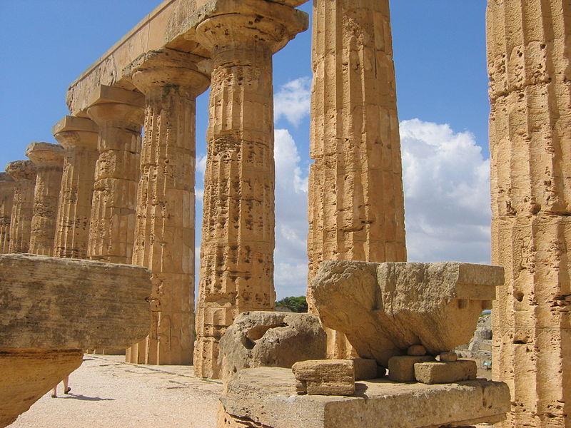 File:Selinonte Temple E in.jpg