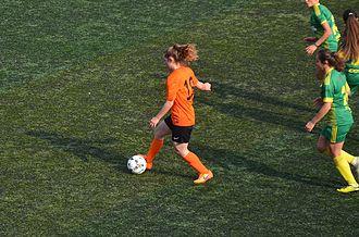 Serra Çağan - Serra Çağan driving the ball for 1207 Antalya Muratpaşa Belediye Spor in the 2015–16 season's away match against Kireçburnu Spor.
