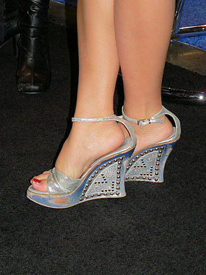 to your health 117 should you wear high heels