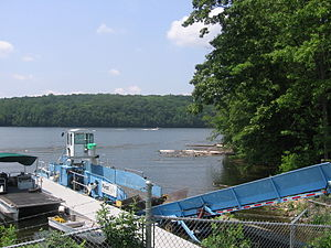 Shepaug River mouth at dam 015.JPG