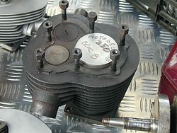 Side valves engine top.jpg