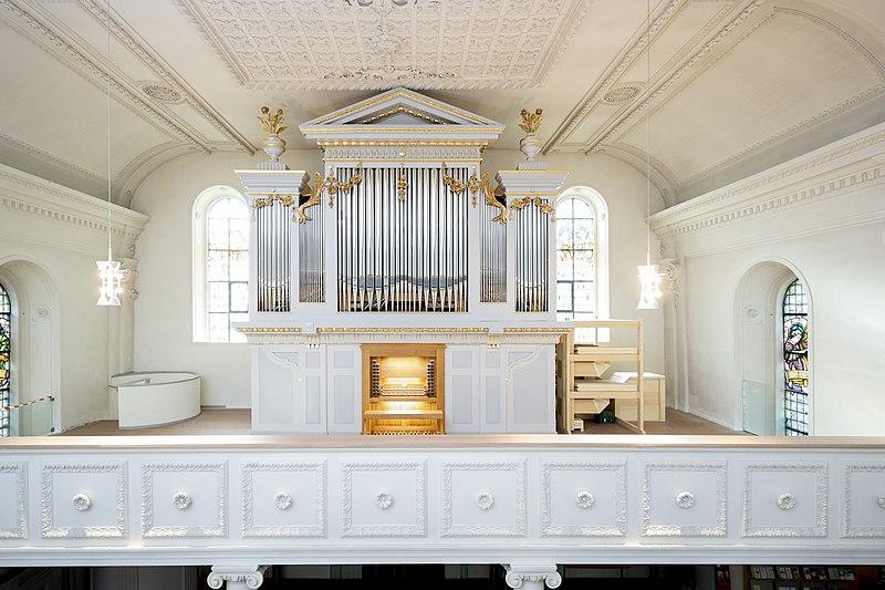 Datei:Singen (Hohentwiel), St. Peter und Paul, Orgel (1).jpg