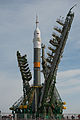 Soyuz TMA-08M spacecraft raising into position at the launch pad 3.jpg