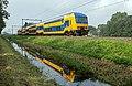 Spaarnwoude DDZ 7530 onderweg naar Amsterdam Centraal (15226382367).jpg