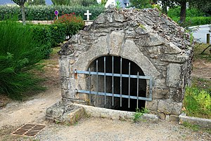 Gildas - The spring of St. Gildas in Saint-Gildas-de-Rhuys, Morbihan