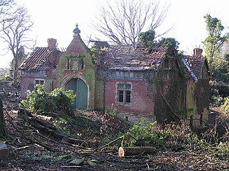 High Coniscliffe - Ruined house at Ulnaby Lane junction, now replaced by Lawson's Court