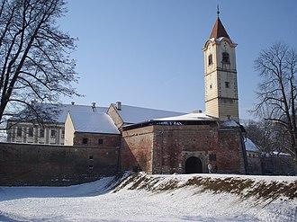 Čakovec Castle - Image: Stari grad Zrinskih, Čakovec, zimi sjeveroistok 2