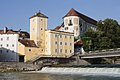 Steyrmuendung mit Wasserturm und Schloss Lamberg.jpg