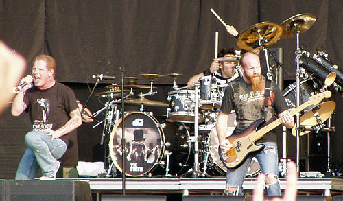 Stone Sour performing in 2007. From left to right: Corey Taylor, Roy Mayorga and Shawn Economaki. Stone Sour (5).JPG