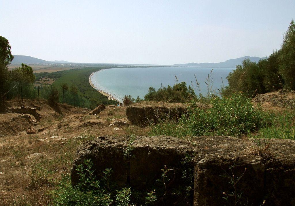I ruderi del tempio di Talamonaccio sul colledi Talamonaccio