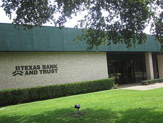 Van, Texas - Image: Texas Bank and Trust Co. in Van, TX IMG 6619