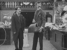 Fichier:The Floorwalker (1916).webm