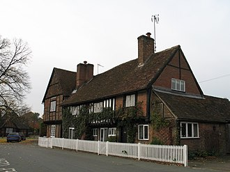 Grade II* listed buildings in Dacorum - Image: The Old Manor House and Manor Cottage, Aldbury geograph.org.uk 1577973