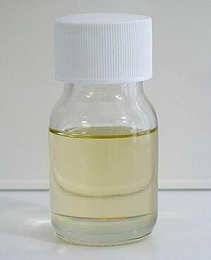 Thionyl chloride - Image: Thionyl chloride 25ml